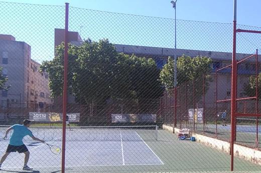 Rotunda victoria del C.T. Mérida sobre el C.T. Amigos del Tenis